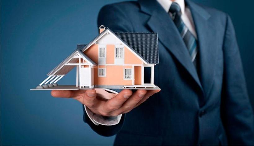 Acheter une maison avec l'aide d'un agent immobilier